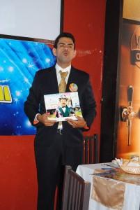 Alejandro R. Colmenares, representante del mago Chong-Tall, ofreció una conferencia de prensa para dar a conocer que en las redes sociales se promocionará la reaparición del ilusionista.