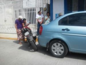 Un taxista persiguió al conductor de un automóvil que se dio a la fuga, tras chocar al vehículo de alquiler cuando transitaban sobre la avenida CTM.